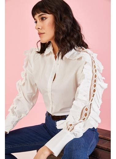 ESQ Kolu Güpür Detalı Gömlek Beyaz
